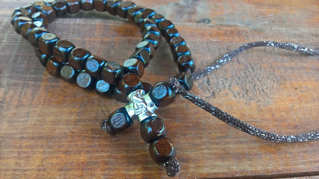 Christian beads necklace with cross